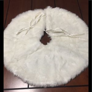 White faux fur Christmas skirt. Used once